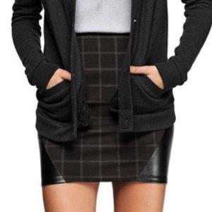 VICTORIA'S SECRET | Black Check Mini Skirt Medium